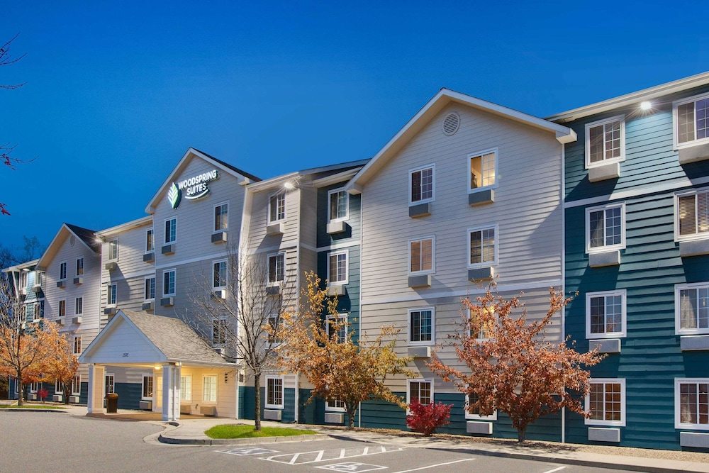 Exterior, WoodSpring Suites Des Moines Pleasant Hill