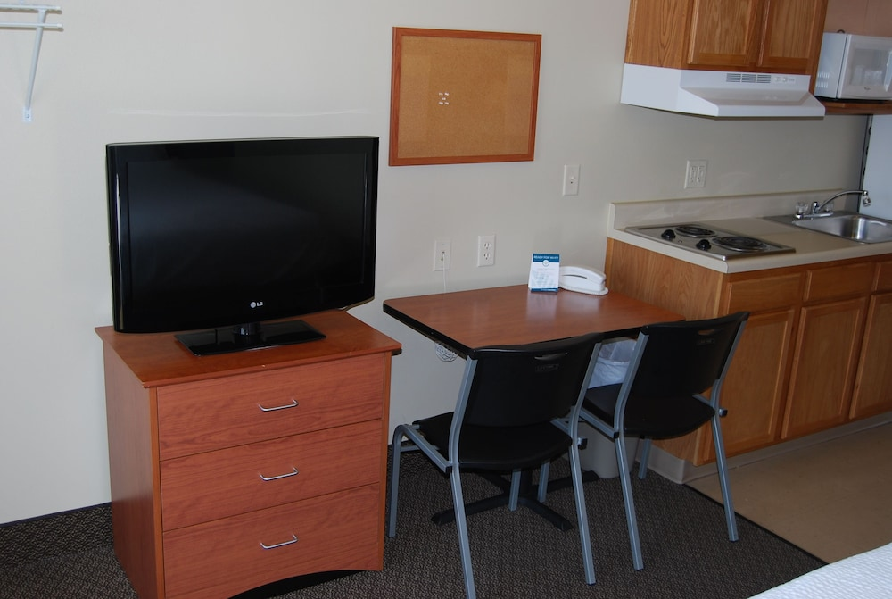 In-Room Dining, WoodSpring Suites Des Moines Pleasant Hill