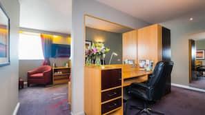 1 bedroom, in-room safe, desk, blackout curtains