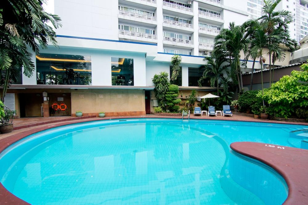 Manhattan Hotel Bangkok Booking Com