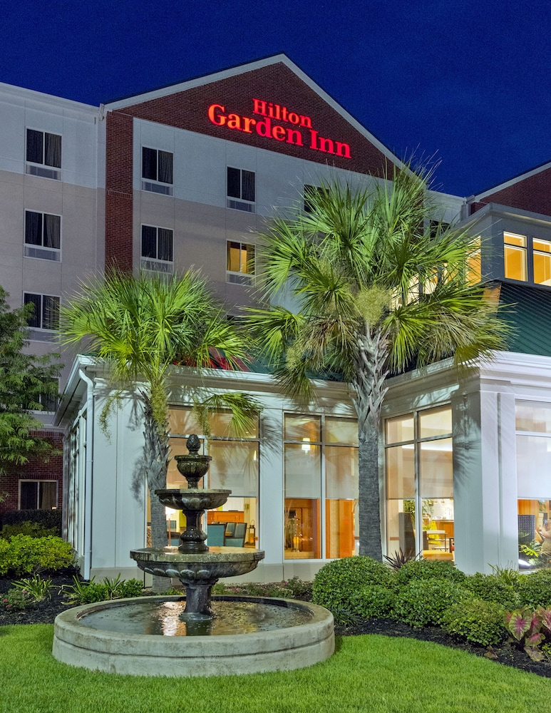 Front of Property - Evening/Night, Hilton Garden Inn West Monroe