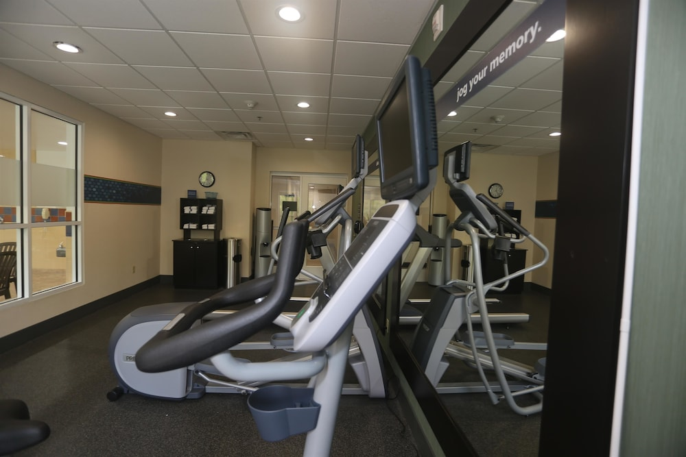 Fitness Facility, Hampton Inn Owego