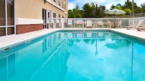 Seasonal outdoor pool, open 7:00 AM to 10:00 AM, sun loungers