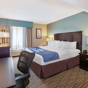 Days Inn by Wyndham Petoskey