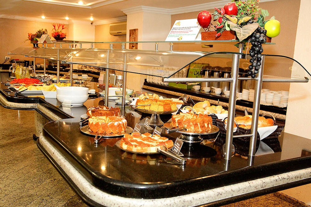 Breakfast buffet, Hotel San Rafael