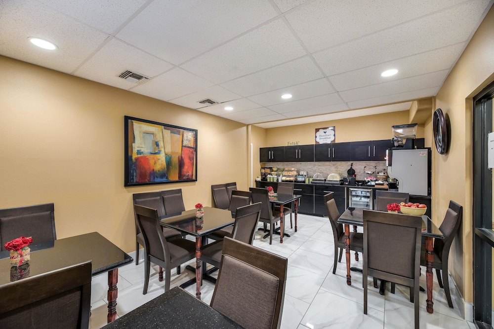 Breakfast Area, MainStay Suites Extended Stay Hotel Casa Grande