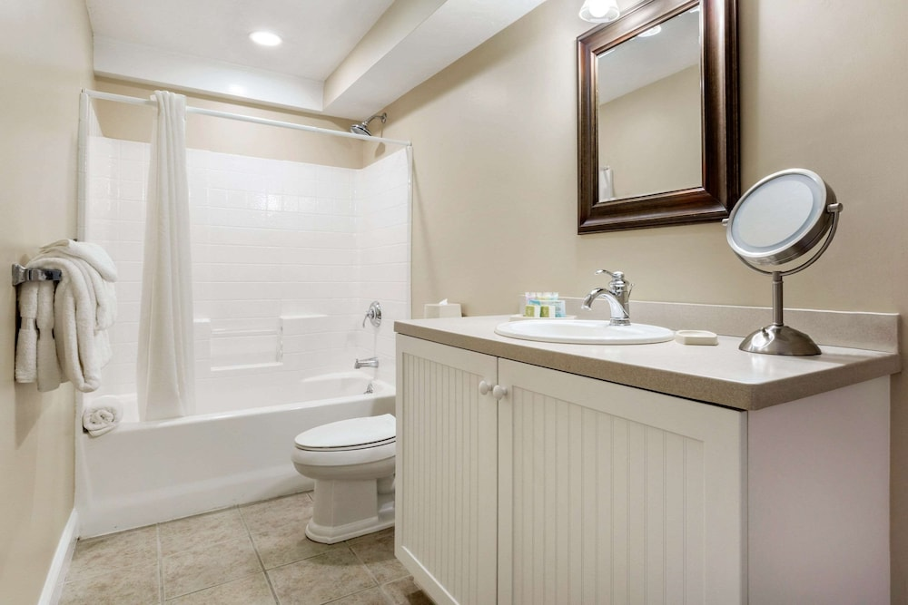Bathroom, Bluegreen Vacations The Breakers, an Ascend Resort