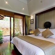Standard Suite  - Located toward the bottom of the hill from the main road, no sea view - Guestroom