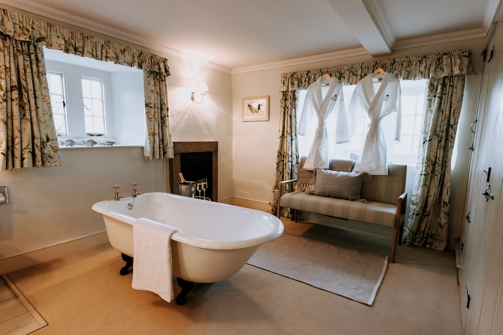 Bathroom, Swinton Park Hotel