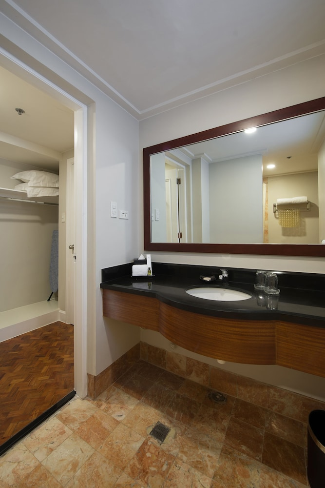 Bathroom, Somerset Olympia Makati