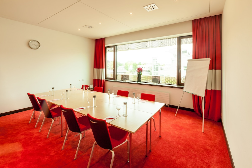 Business Center, Airport Hotel Basel