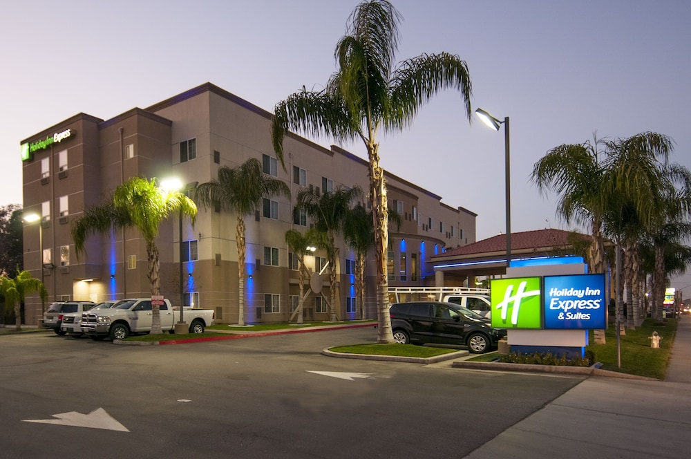 Exterior, Holiday Inn Express and Suites Bakersfield Central, an IHG Hotel