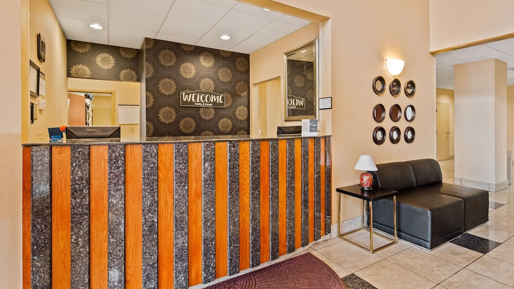 Lobby, Best Western Plus New Cumberland Inn & Suites