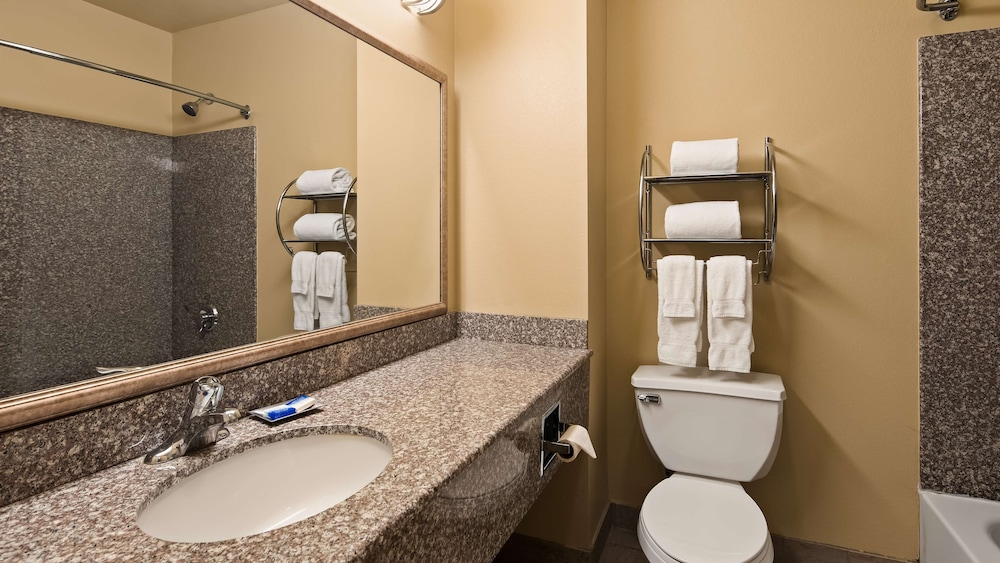 Room, Best Western Plus New Cumberland Inn & Suites