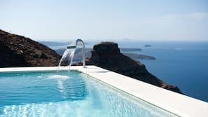 3 outdoor pools, pool umbrellas, sun loungers