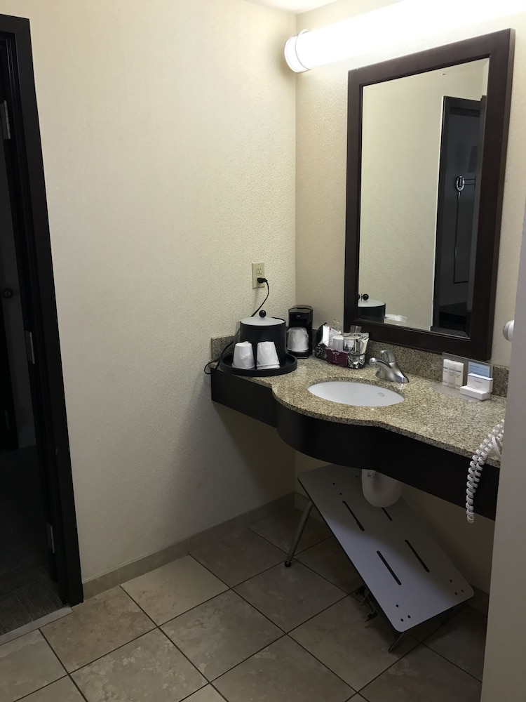 Bathroom Sink, Hampton Inn & Suites Las Vegas South