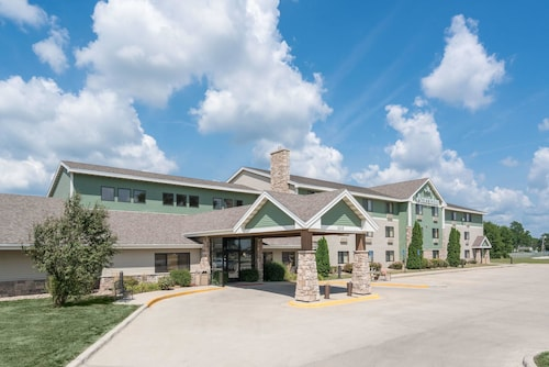 Great Place to stay AmericInn by Wyndham Fort Dodge near Fort Dodge