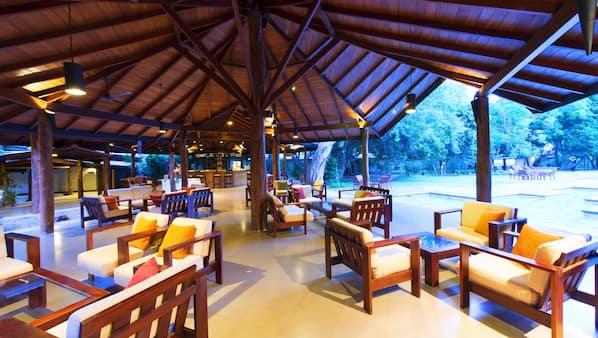 Breakfast, lunch and dinner served, international cuisine, pool views