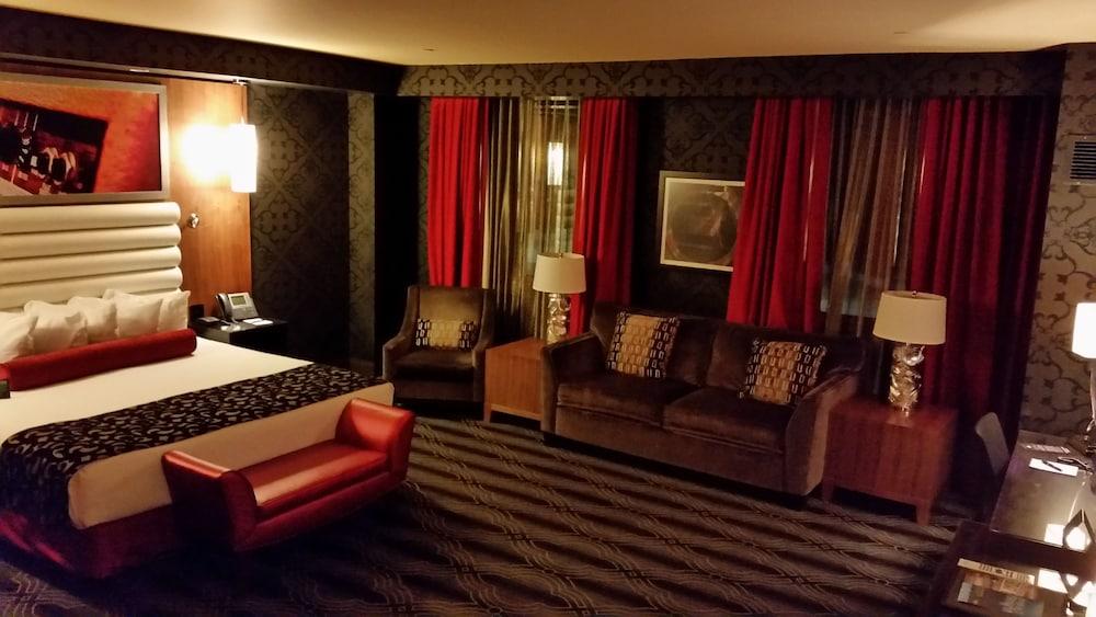 Joint - hard rock hotel & casino tulsa catoosa ok