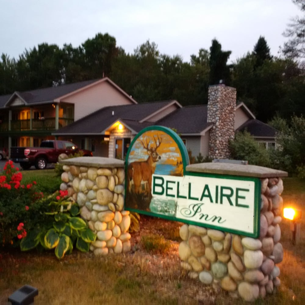 Exterior, Bellaire Inn