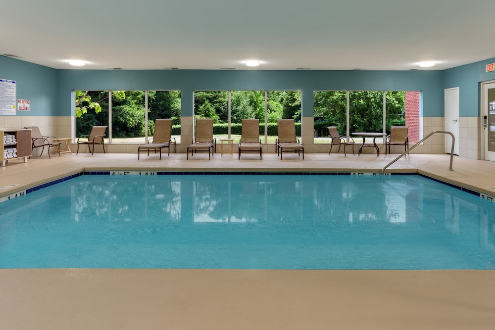 Indoor Pool, Holiday Inn Express Hotel & Suites Charlotte Arrowood