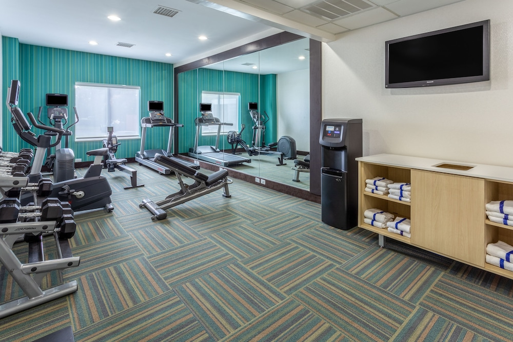 Fitness Facility, Holiday Inn Express Hotel & Suites Charlotte Arrowood