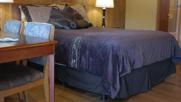Individually decorated, desk, rollaway beds, free WiFi