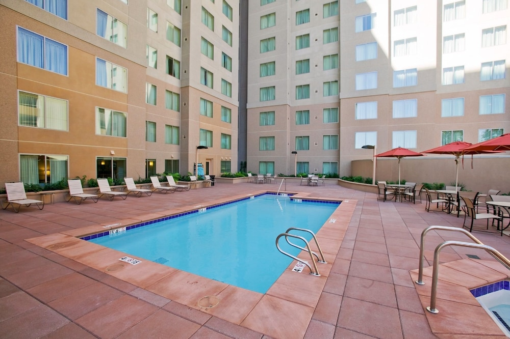 Outdoor Pool, Residence Inn Sacramento Downtown at Capitol Park
