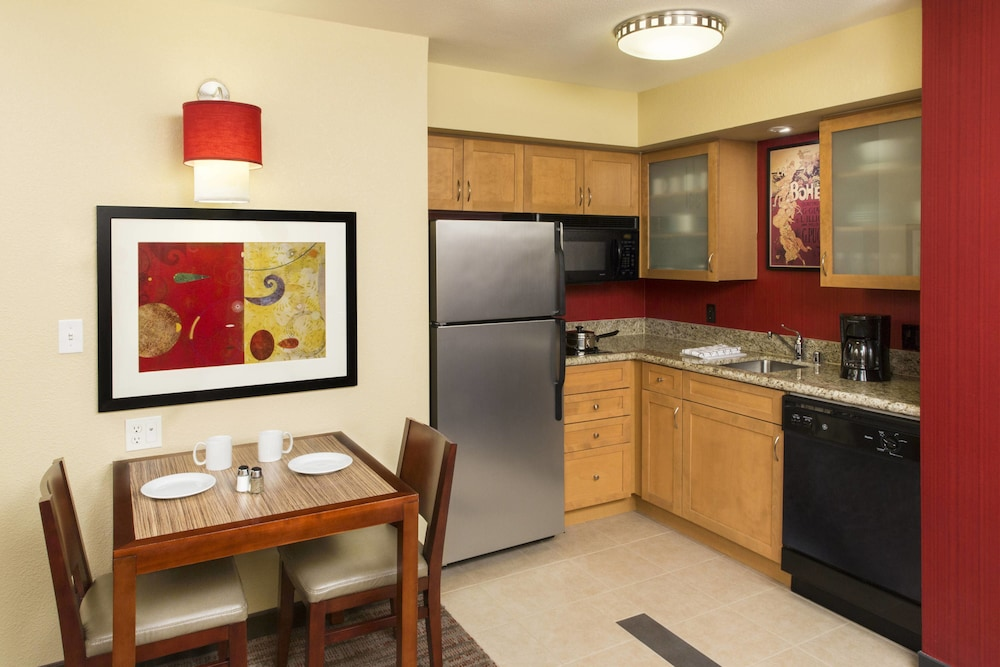 Private Kitchen, Residence Inn Sacramento Downtown at Capitol Park