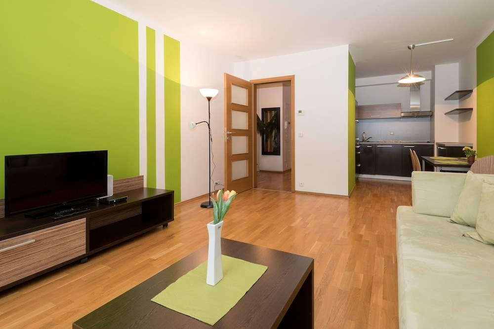 Standard Apartment, 3 Single Beds - Featured Image