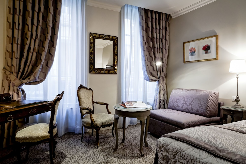 grand hotel des terreaux reviews photos rates. Black Bedroom Furniture Sets. Home Design Ideas