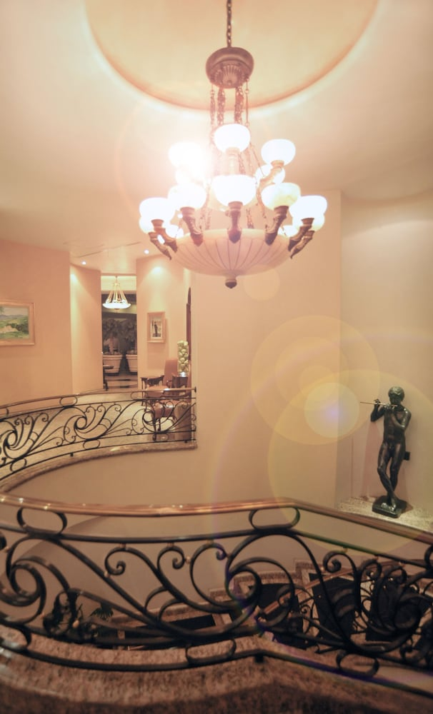 Staircase, The Green Park Hotel