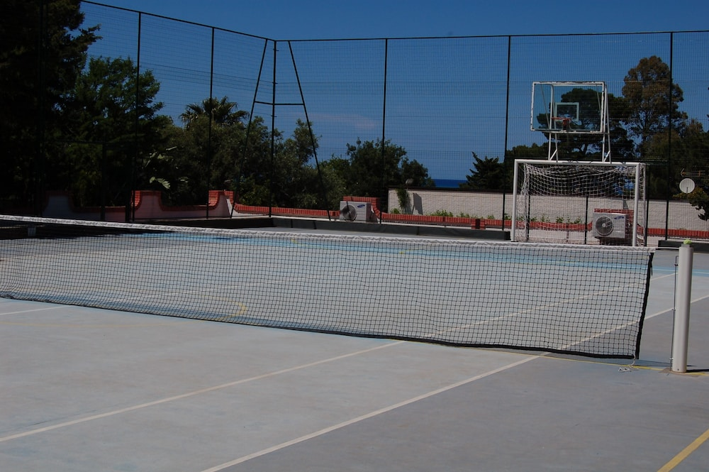 Tennis Court, Hotel Kalura