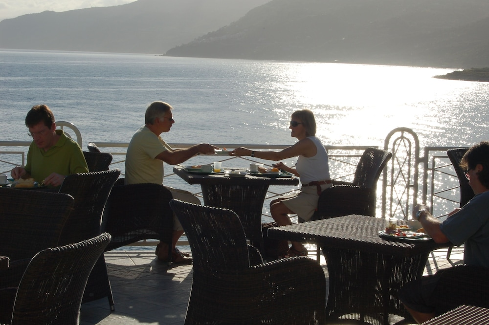 Outdoor Dining, Hotel Kalura