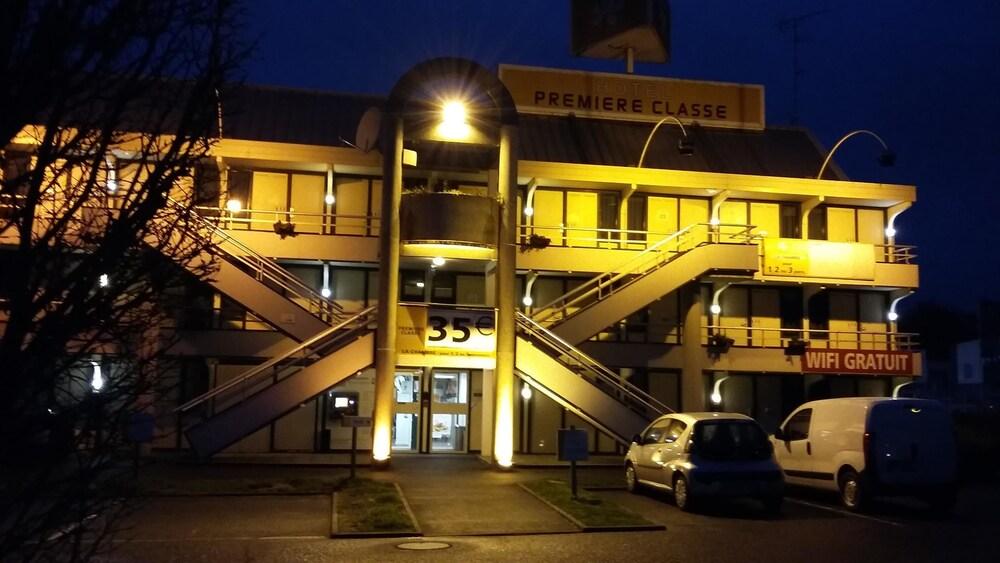 Book premiere classe vierzon vierzon hotel deals for Hotels vierzon