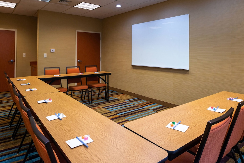 Meeting Facility, Fairfield Inn & Suites by Marriott Greensboro Wendover