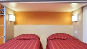 Bureau, rideaux occultants, fer et planche à repasser, Wi-Fi gratuit