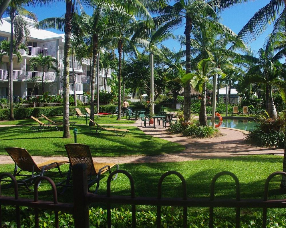 Cairns Beach Resort In Hotel