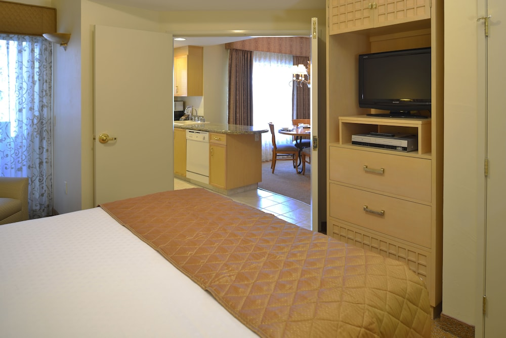 Room, Polo Towers by Diamond Resorts