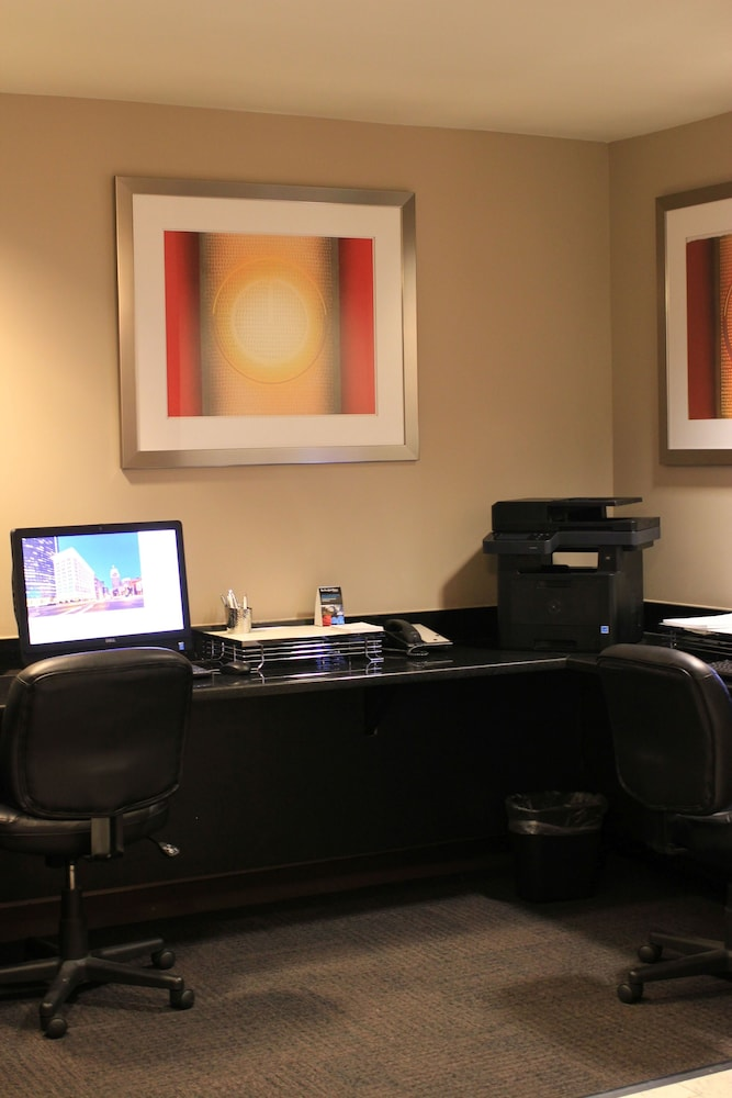 Business Center, Colcord Hotel