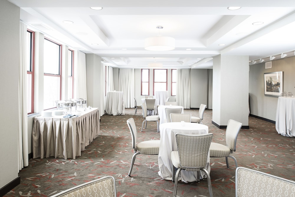 Banquet Hall, Colcord Hotel