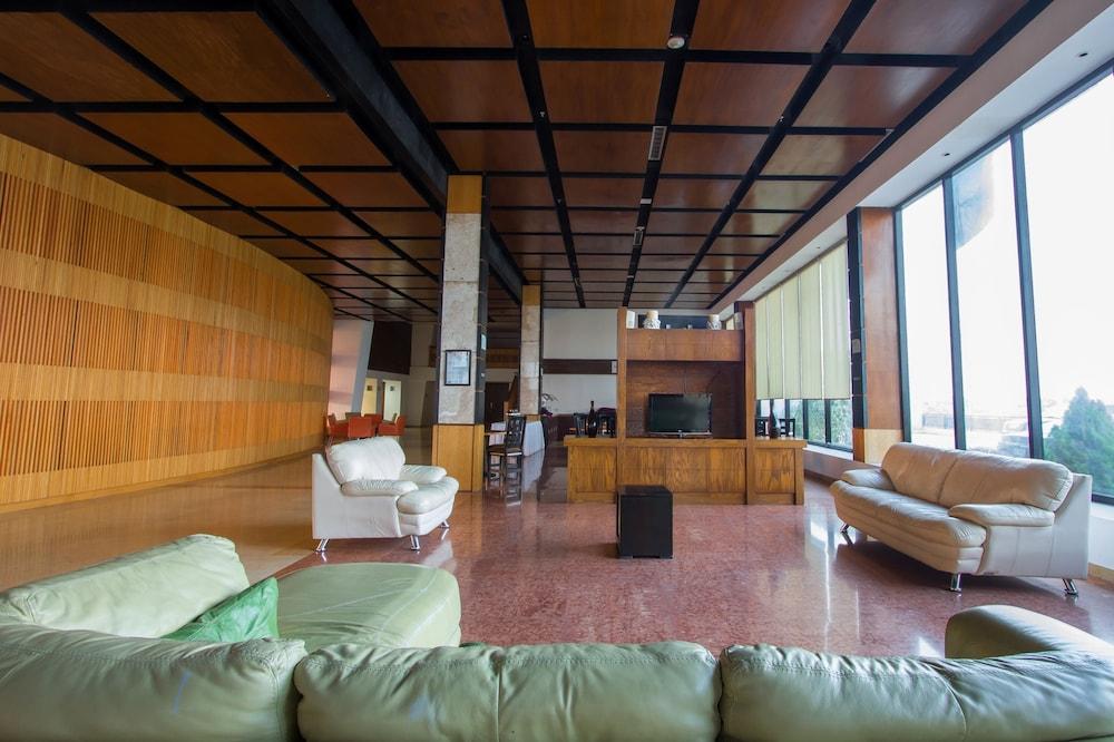 Holiday Inn Express Nuevo Laredo: 2019 Room Prices $48