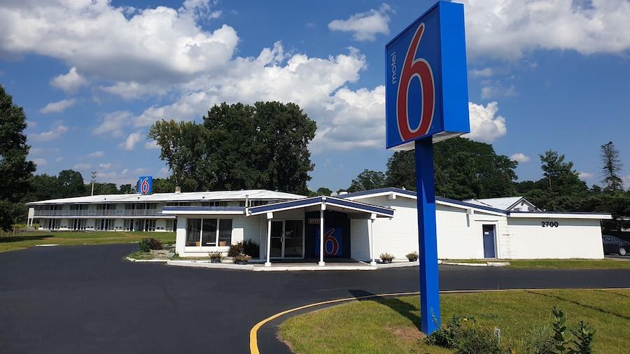 Motel 6 Schenectady, NY