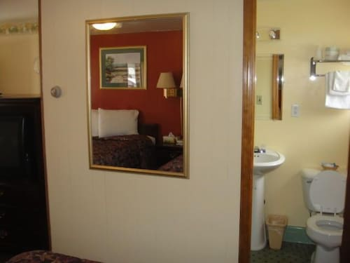 Bathroom, Standish Motel