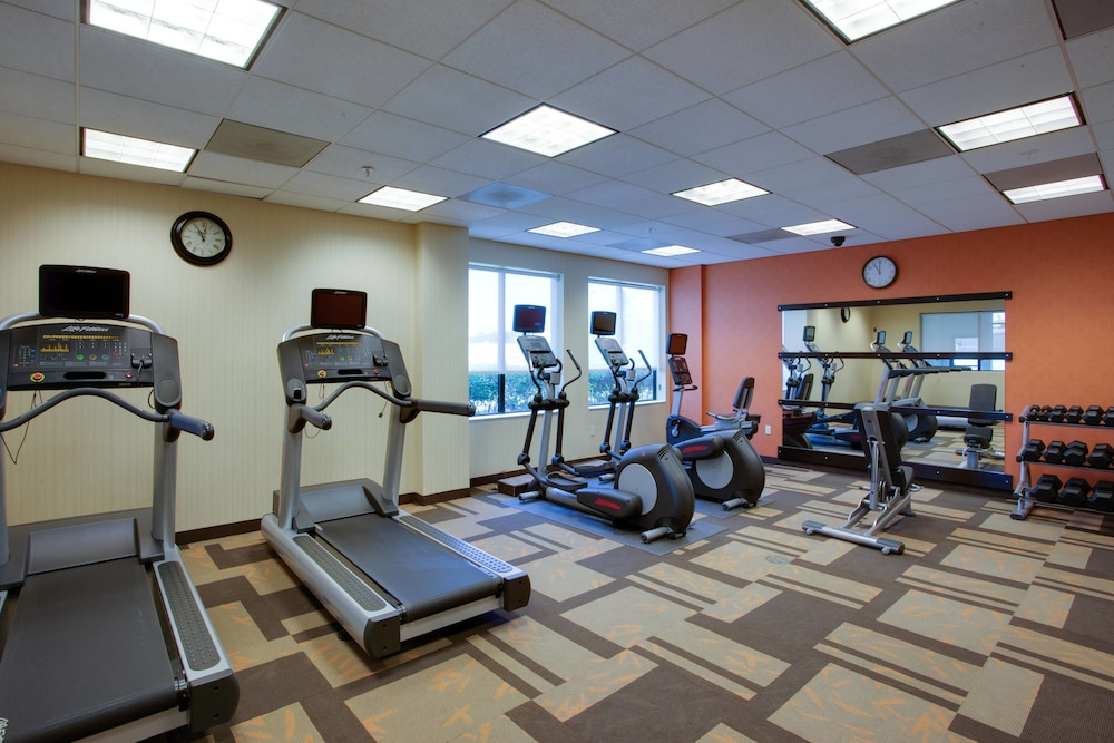 Fitness Facility, Courtyard by Marriott Republic Aprt Long Island/Farmingdale