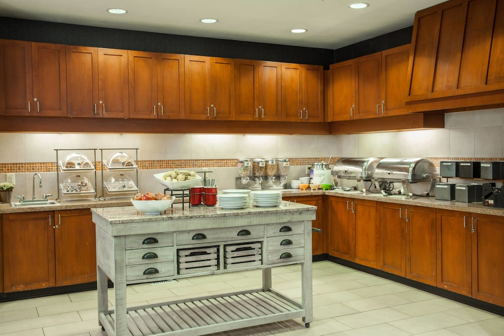 Breakfast buffet, Residence Inn by Marriott Prescott