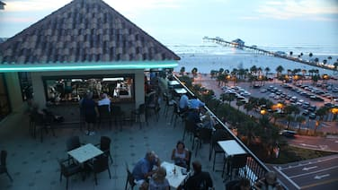 Pier House 60 Clearwater Beach Marina Hotel