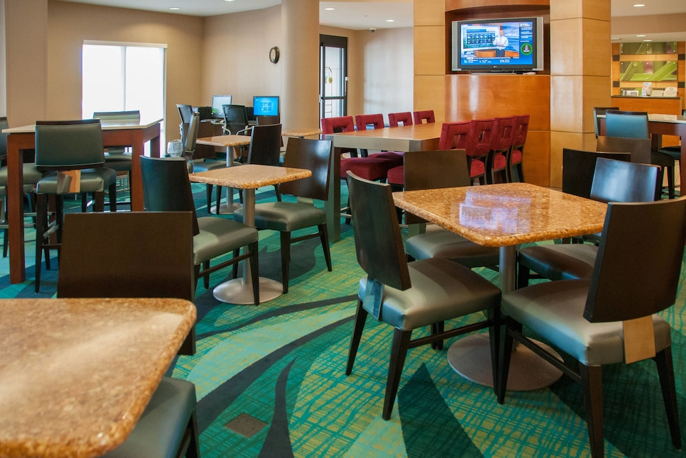 Family Dining, SpringHill Suites Marriott Colorado Springs South