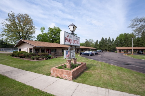 Great Place to stay Park Motel near Marshfield