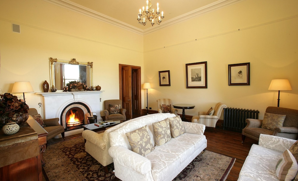 Lounge, Mount Falcon Estate